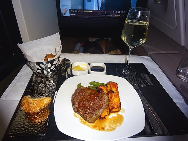 Chuyên trang du lịch công bố 10 hãng hàng không có đồ ăn cao cấp và ngon nhất thế giới, top 2 đều nằm ở châu Á - Ảnh 10.