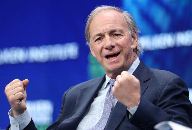Chiến thuật giúp ông chủ quỹ phòng hộ lớn nhất thế giới trở thành tỷ phú từ hai bàn tay trắng - Ảnh 1.