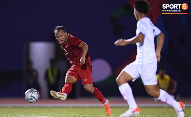 HLV Park Hang-seo sẽ chất vấn các cầu thủ vì để thua bàn không đáng có trước U22 Lào - Ảnh 1.