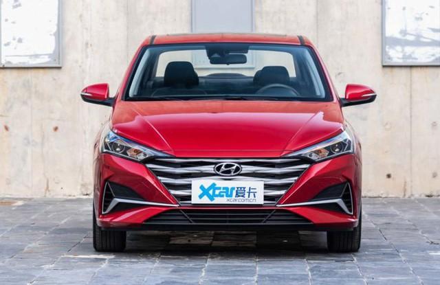 Ảnh thực tế đối thủ trực tiếp của Toyota Vios vừa ra mắt: Kiểu dáng phá cách, nhiều công nghệ, giá rẻ - Ảnh 4.