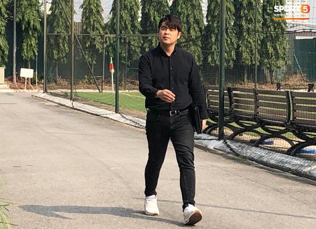 Cập nhật sự kiện HLV Park Hang-seo ký hợp đồng với Liên đoàn bóng đá Việt Nam: Nhân vật chính xuất hiện tại nhà riêng trước giờ G - Ảnh 3.