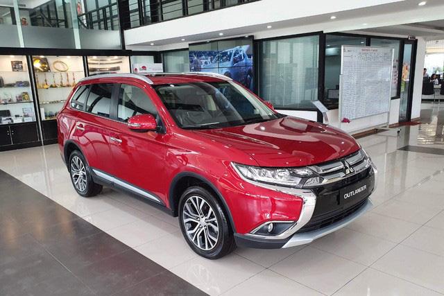 Cuộc đua giảm giá xe bằng chiêu thức mới trên thị trường ô tô Việt - Ảnh 1.