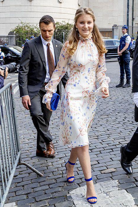 Công chúa 18 tuổi gánh trên vai vận mệnh của hoàng gia Bỉ lại gây sốt với loạt ảnh đẹp không tỳ vết, tỏa sáng mọi lúc  - Ảnh 2.