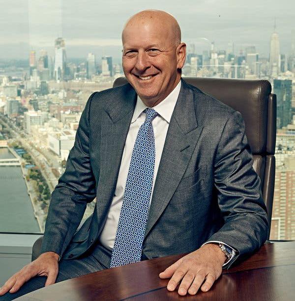 Sếp ngân hàng tỷ USD Goldman Sachs: Ngày là CEO, tối về làm DJ part-time lấy tiền đi từ thiện - Ảnh 1.