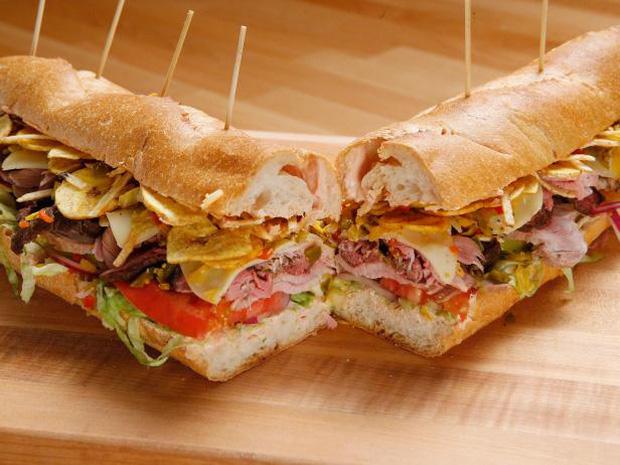 Những phiên bản bánh mì sandwich vòng quanh thế giới có thể khiến bạn phải ngỡ ngàng, có nơi còn cực kỳ khó ăn - Ảnh 2.