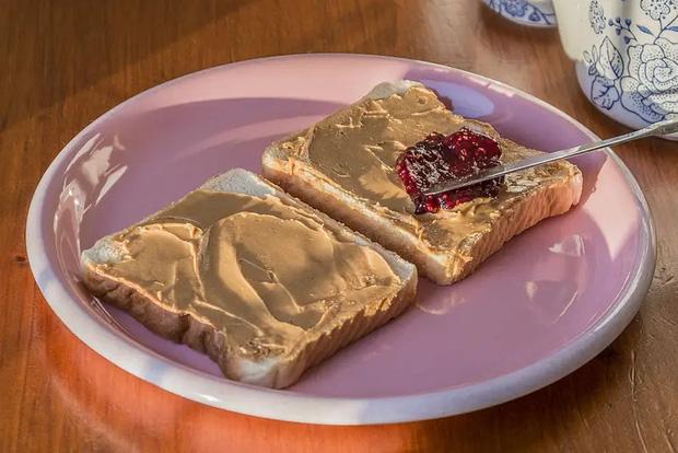 Những phiên bản bánh mì sandwich vòng quanh thế giới có thể khiến bạn phải ngỡ ngàng, có nơi còn cực kỳ khó ăn - Ảnh 12.