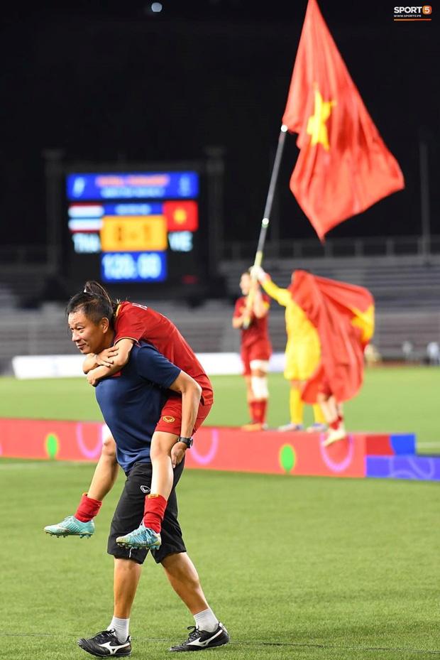 Nhìn lại hình ảnh Văn Hậu máu chảy ròng ròng, Trọng Hoàng toác hai đầu gối để đưa U22 Việt Nam vào chung kết SEA Games 30 - Ảnh 15.