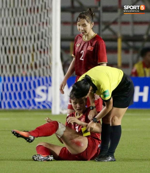 Nhìn lại hình ảnh Văn Hậu máu chảy ròng ròng, Trọng Hoàng toác hai đầu gối để đưa U22 Việt Nam vào chung kết SEA Games 30 - Ảnh 10.