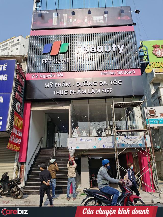 FPT Shop bất ngờ mở F.Beauty chuyên kinh doanh mỹ phẩm nhập ngoại chính hãng, tranh thủ thị trường mỹ phẩm còn đang tranh sáng tranh tối - Ảnh 1.