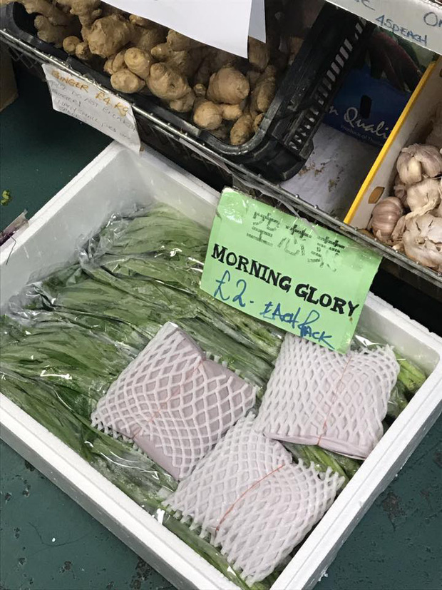 Review đồ ăn Việt ở nước ngoài: Hoa quả vừa đắt lại vừa hiếm, các món bún phở giá cao ngất ngưởng mà chất lượng thì hên xui - Ảnh 2.