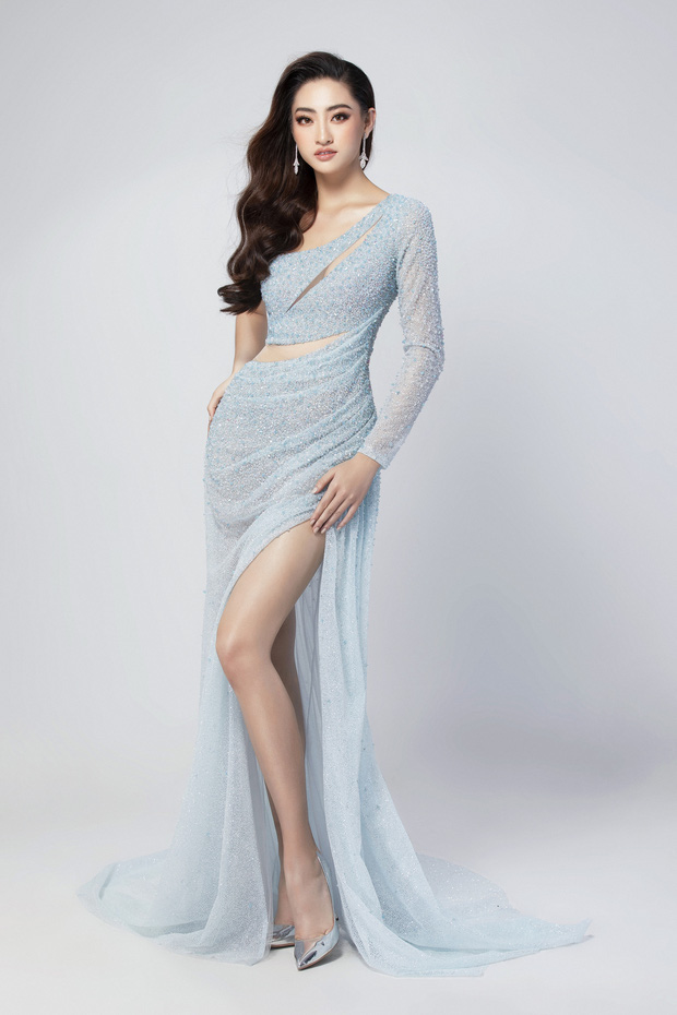 Lương Thùy Linh hé lộ trang phục dạ hội khoe đôi chân cực phẩm 1m22, sẵn sàng cho chung kết Miss World tối nay - Ảnh 1.