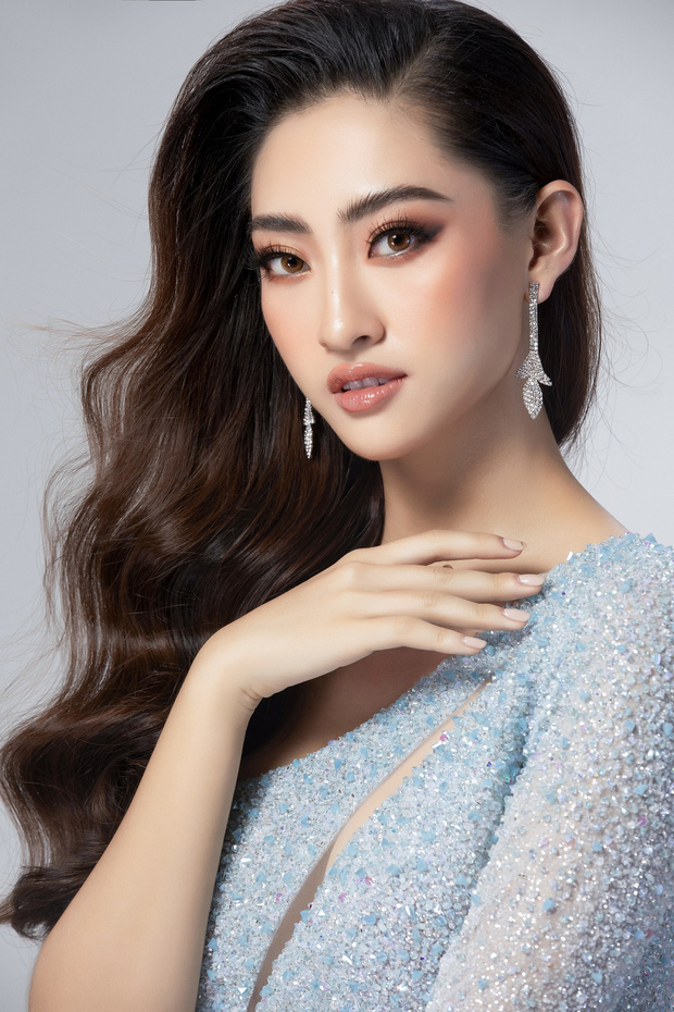 Lương Thùy Linh hé lộ trang phục dạ hội khoe đôi chân cực phẩm 1m22, sẵn sàng cho chung kết Miss World tối nay - Ảnh 4.