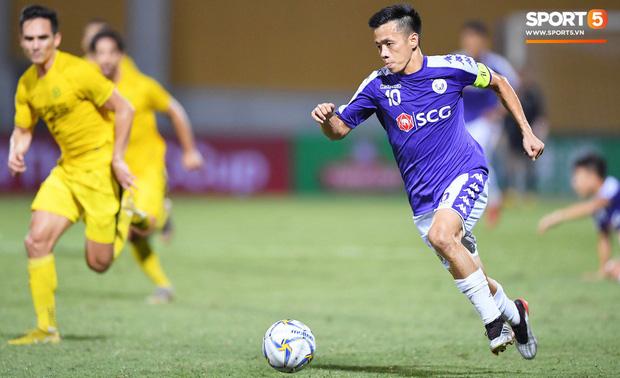 Báo hàng đầu châu Á chọn ra 5 cầu thủ Việt Nam hay nhất năm 2019: Văn Hậu xuất sắc thế cũng không có tên, nhưng vị trí số 1 thì không bất ngờ - Ảnh 6.