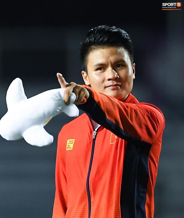 Báo hàng đầu châu Á chọn ra 5 cầu thủ Việt Nam hay nhất năm 2019: Văn Hậu xuất sắc thế cũng không có tên, nhưng vị trí số 1 thì không bất ngờ - Ảnh 8.