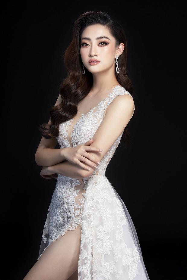 Lương Thùy Linh hé lộ trang phục dạ hội khoe đôi chân cực phẩm 1m22, sẵn sàng cho chung kết Miss World tối nay - Ảnh 9.