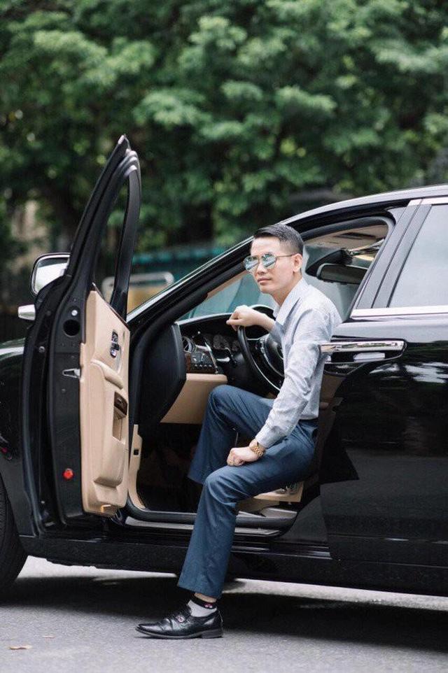 Thú chơi xe sang của đại gia tặng Mercedes-Benz cho thủ môn Bùi Tiến Dũng - Ảnh 5.