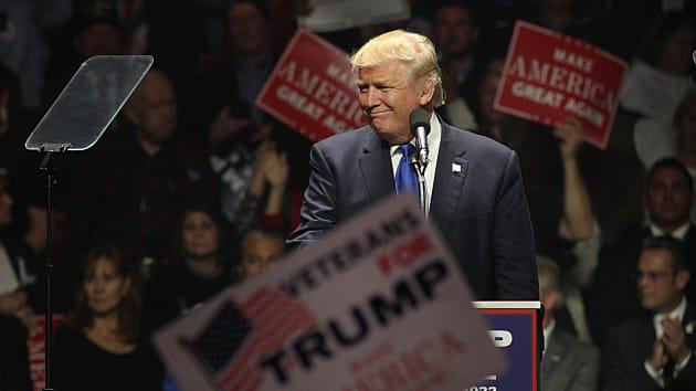 Điều gì sẽ xảy ra nếu ông Trump đắc cử tổng thống nhiệm kỳ 2: Thêm chiến tranh thương mại, Powell bị sa thải và tiếp tục giảm thuế? - Ảnh 1.