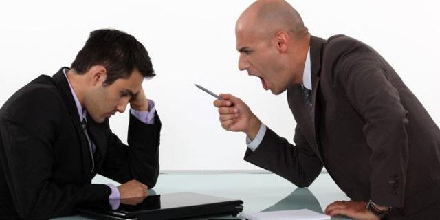 Luật mới, bị sếp mắng chửi nhân viên nghỉ luôn không cần phải báo - Ảnh 1.