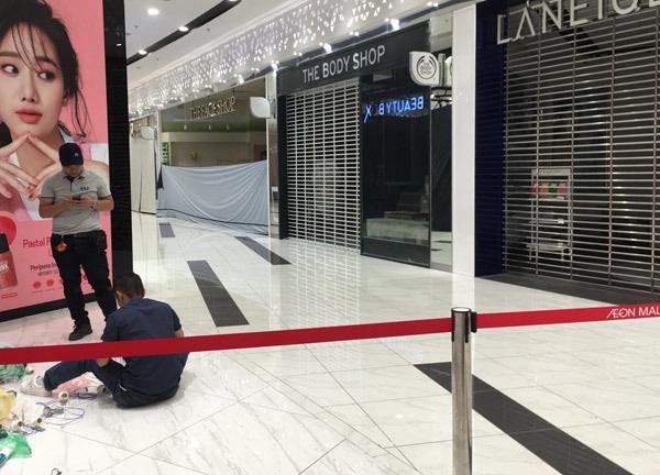 Thất vọng Aeon Mall Hà Đông, khai trương rồi hàng đóng cửa im lìm - Ảnh 9.
