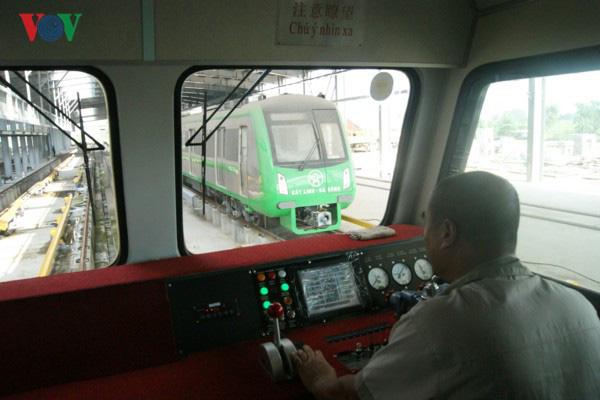 Đang nghiệm thu từng phần tuyến đường sắt Cát Linh - Hà Đông - Ảnh 1.