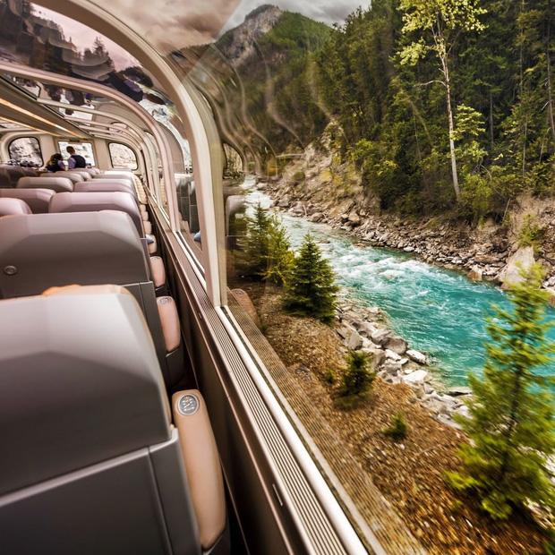 Cận cảnh đoàn tàu view kính 180 độ có thật ở Canada, đi tới đâu là du khách tha hồ ngắm cảnh tuyệt đẹp đến đấy - Ảnh 18.