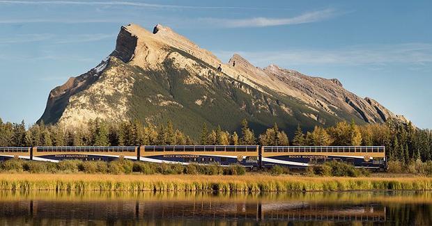 Cận cảnh đoàn tàu view kính 180 độ có thật ở Canada, đi tới đâu là du khách tha hồ ngắm cảnh tuyệt đẹp đến đấy - Ảnh 24.