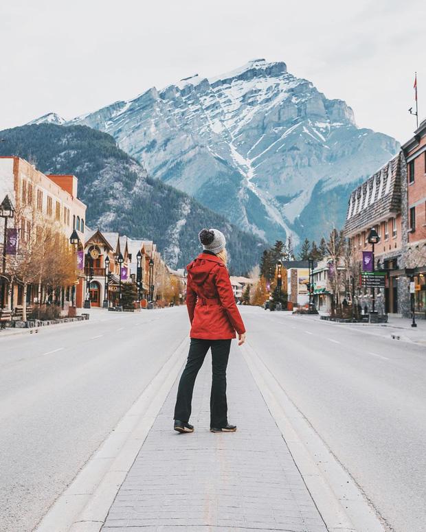 Cận cảnh đoàn tàu view kính 180 độ có thật ở Canada, đi tới đâu là du khách tha hồ ngắm cảnh tuyệt đẹp đến đấy - Ảnh 30.