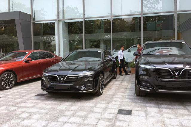 VinFast tặng ô tô cho người mua nhà Vinhomes: Mỗi căn kèm 1 chiếc Fadil, có thể đổi sang Lux với điều kiện này - Ảnh 2.