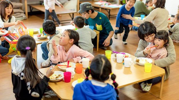 Nghịch lý khó tin của Nhật Bản: Nền kinh tế top thế giới, nhưng tại sao số trẻ em không được đi học cũng cực kỳ cao? - Ảnh 6.