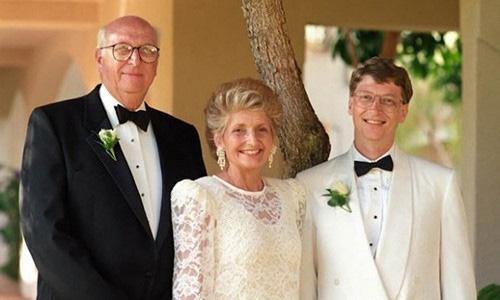 Đừng bỏ học giống Bill Gates mà vẫn mong trở thành tỷ phú nếu bạn không có bố mẹ khủng như thế này - Ảnh 2.