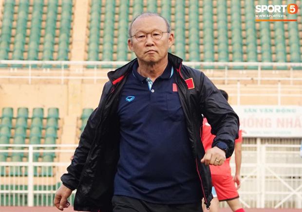 HLV Park Hang-seo: Thiếu Văn Hậu, nguy cơ thủng lưới của U23 Việt Nam tăng cao ở VCK U23 châu Á 2020 - Ảnh 3.