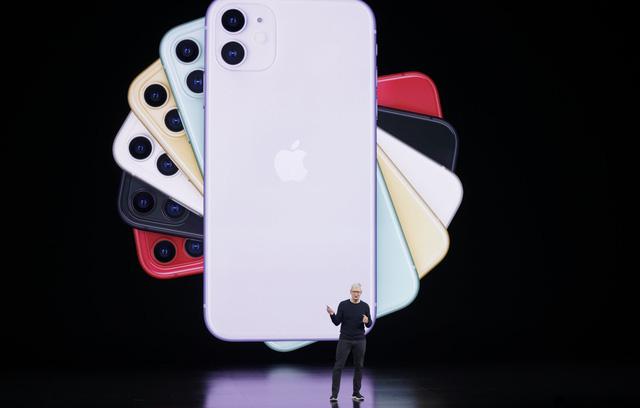 Nghịch lý lựa chọn và tâm lý 'thấy sang bắt quàng làm họ': 2 'tử huyệt' được Apple sử dụng để khiến chúng ta sẵn sàng xếp hàng, trả giá cao hơn để mua iPhone mới - Ảnh 3.