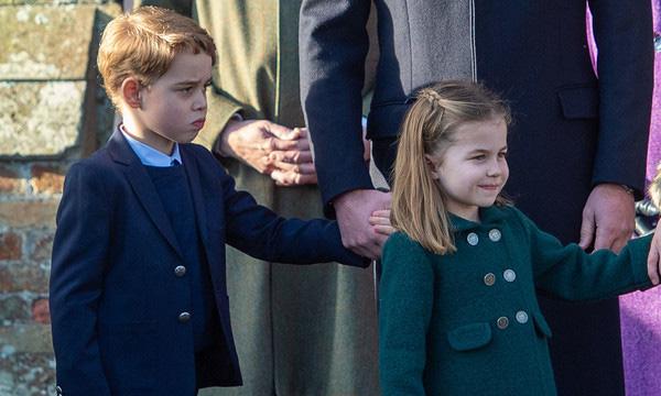 Vắng em dâu Meghan Markle, Công nương Kate nở nụ cười tỏa nắng, tâm điểm chú ý là Công chúa Charlotte nổi bật như một ngôi sao - Ảnh 8.