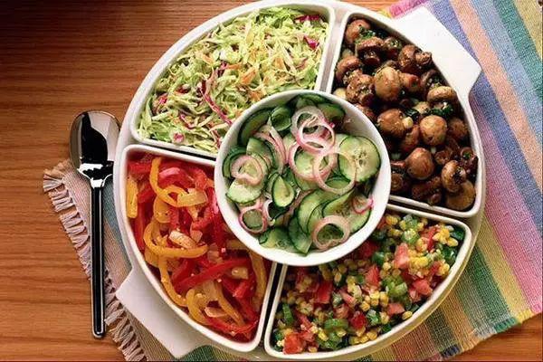 """Đừng dại mà bỏ bữa tối vì hậu quả gây ra cho sức khỏe sẽ rất khủng khiếp: Đây là nguyên tắc """"sống còn"""" khi ăn bữa tối - Ảnh 4."""