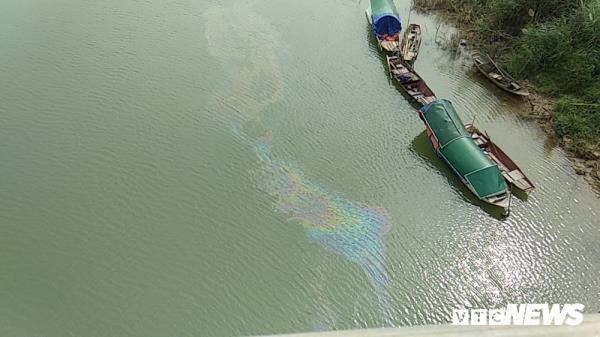 Kết quả phân tích mẫu nước sông Lam sau khi xuất hiện vệt dầu loang - Ảnh 1.