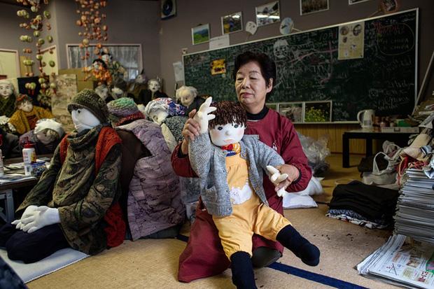Ngôi làng vắng bóng trẻ thơ tại Nhật Bản: 18 năm không có một đứa trẻ nào ra đời, số búp bê nhiều gấp 10 lần số dân làng - Ảnh 3.