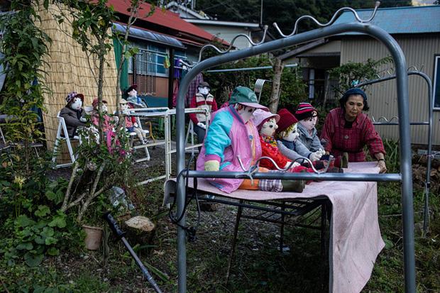 Ngôi làng vắng bóng trẻ thơ tại Nhật Bản: 18 năm không có một đứa trẻ nào ra đời, số búp bê nhiều gấp 10 lần số dân làng - Ảnh 7.