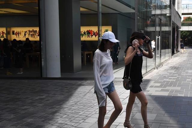 Người tiêu dùng trẻ - cứu cánh cho GDP của Trung Quốc - Ảnh 1.