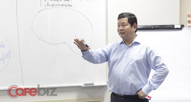 Chủ tịch FPT Trương Gia Bình: Hối tiếc lớn nhất của tôi là đã bỏ qua những thứ lớn lao tương tự FB và Wechat, giờ đây FPT hướng tới không gian khổng lồ hơn - nền kinh tế internet - Ảnh 1.