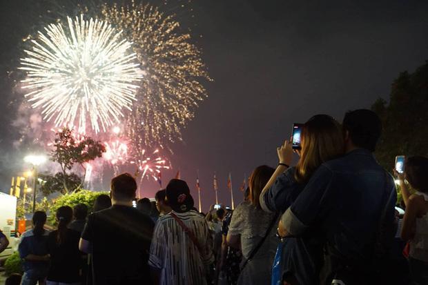 Ghim ngay 6 địa điểm ngắm pháo hoa đẹp nhất Sài Gòn dịp Tết Dương lịch 2020, lập hội đi countdown đón năm mới liền thôi! - Ảnh 11.
