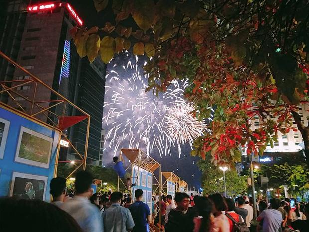 Ghim ngay 6 địa điểm ngắm pháo hoa đẹp nhất Sài Gòn dịp Tết Dương lịch 2020, lập hội đi countdown đón năm mới liền thôi! - Ảnh 7.