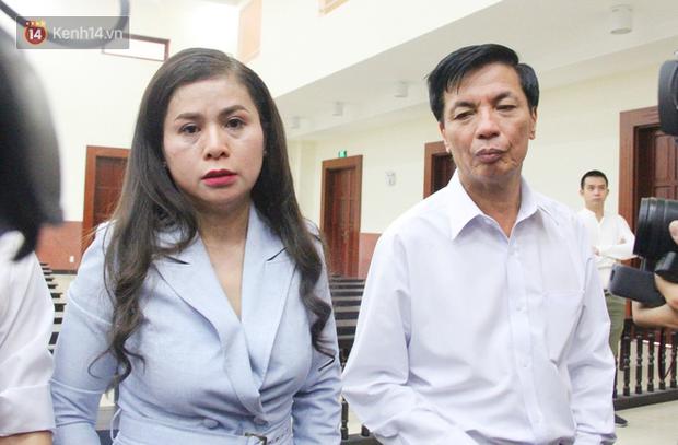 Phúc thẩm vụ ly hôn nghìn tỷ: HĐXX nghị án, bà Thảo cho biết 100 tỷ bên Singapore quá nhỏ, chỉ bằng cái móng tay so với khối tài sản của Trung Nguyên - Ảnh 4.