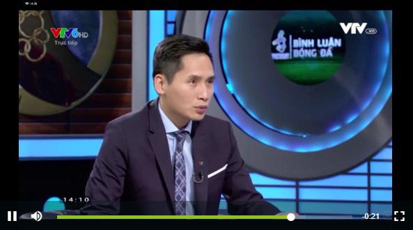 """Giữa tin đồn cấm sóng 2 tháng, BTV Quốc Khánh bất ngờ xuất hiện với thái độ lạ trong phần bình luận trận đấu """"sinh tử"""" Việt Nam - Thái Lan - Ảnh 3."""
