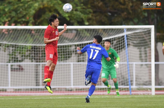 Thủ môn U22 Việt Nam mắc sai lầm, fan kêu trời: Việt Nam chỉ chết vì thủ môn - Ảnh 4.