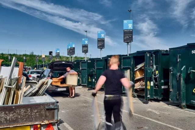 Nhà máy đốt rác ở Đan Mạch xịn tới mức cho dân địa phương trèo lên nóc để trượt tuyết, leo núi, vui chơi - Ảnh 17.