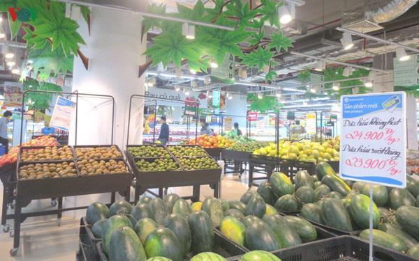 Nhiều trái cây Việt giảm giá do bị Trung Quốc siết chặt - Ảnh 1.