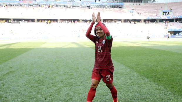 Nhiều fan Việt kì thị giới tính cầu thủ nữ Thái Lan: Cổ động viên bóng đá văn minh sẽ không làm thế! - Ảnh 1.