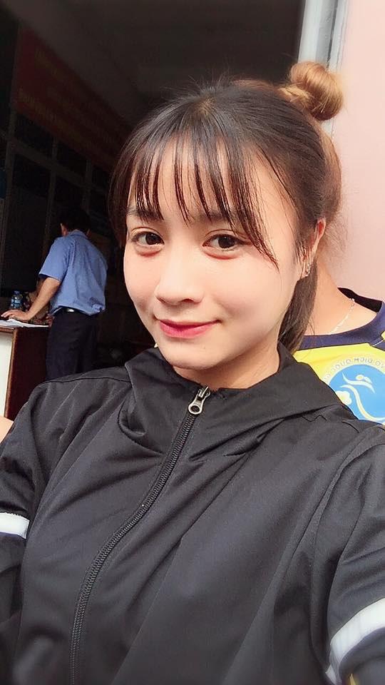 Quyết liệt trên sân cỏ, ai ngờ 3 gương mặt khả ái của đội tuyển bóng đá nữ Việt Nam lại có những hình ảnh ngoài đời mềm mại như thế này - Ảnh 6.