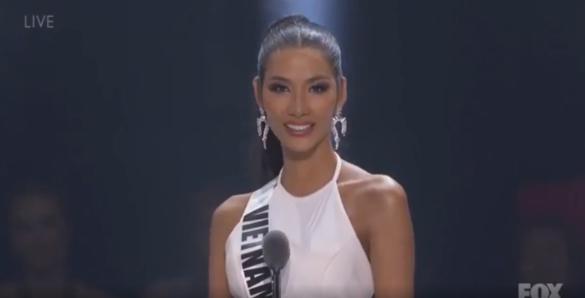 Xúc động trước bài phát biểu của Hoàng Thùy: Có một cô bé bán hàng trên xe lửa, bị phân biệt giới tính, nay cô ấy đã trở thành đại diện Việt Nam tại Miss Universe - Ảnh 2.