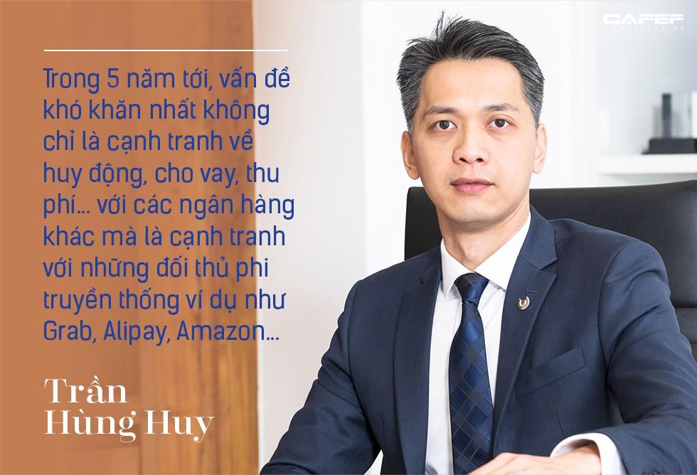 Chủ tịch HĐQT ACB Trần Hùng Huy: Mình không biết nhảy, không biết hát nhưng có thể học và không sợ quê! - Ảnh 3.